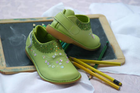 childrens-shoes-1035488_1280